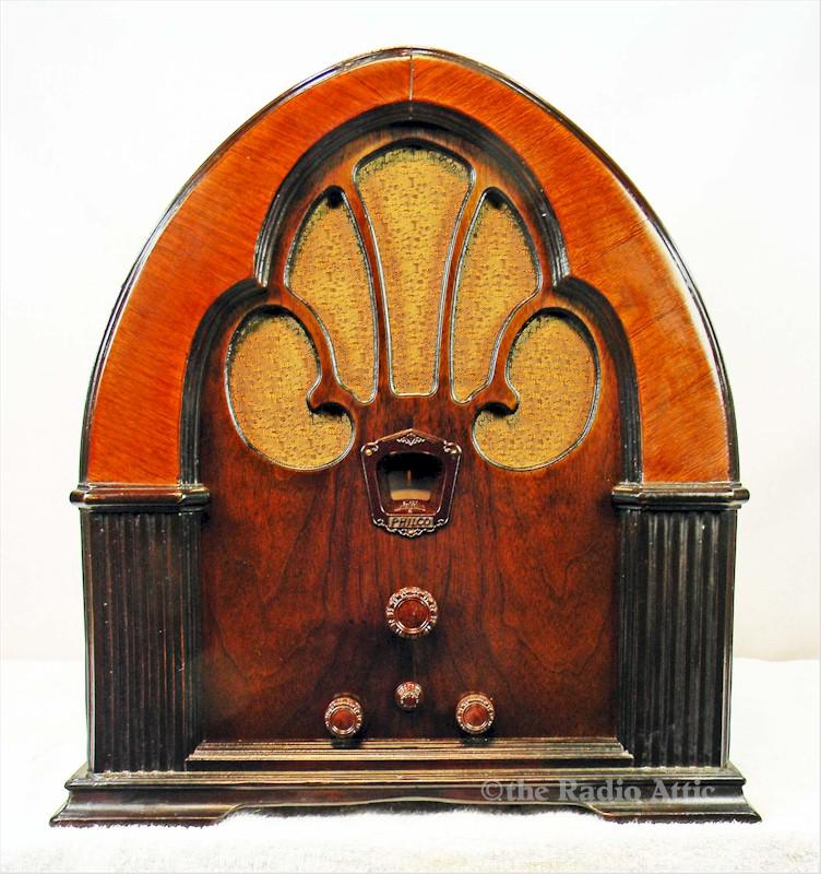 Philco 90 Cathedral (1933)