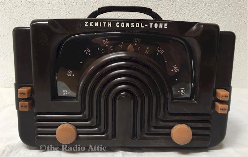 """Zenith 6-D-615 Consol-Tone """"Darth Vader"""" (1942)"""