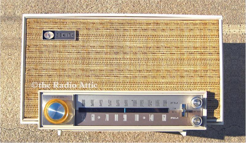 Zenith K725W AM-FM (1963)