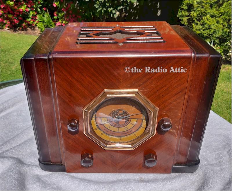"Silvertone/Mission Bell 41 ""Cube"" (1935)"