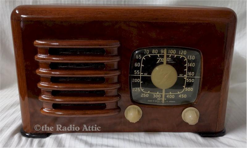 "Zenith 6-D-525 ""Toaster"" (1941)"