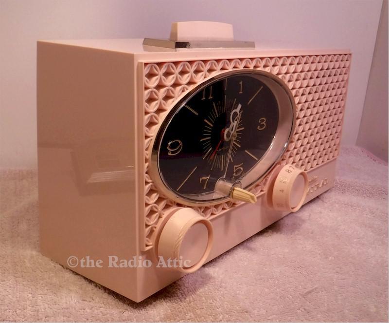 Admiral Y3554 Clock Radio (1964)