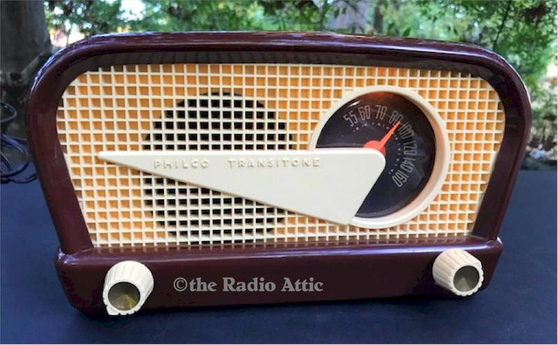 "Philco 48-230 ""Flying Wedge"" (1948)"