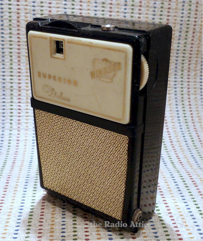 Windsor Superior Deluxe Boy's Radio