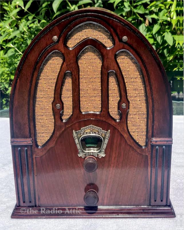 "Crosley 148 ""Fiver"" Cathedral (1932)"
