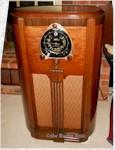 """Zenith 9-S-263 """"Robot Dial"""" Console (1938)"""