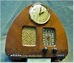 Detrola 302 Clock Radio (1939)
